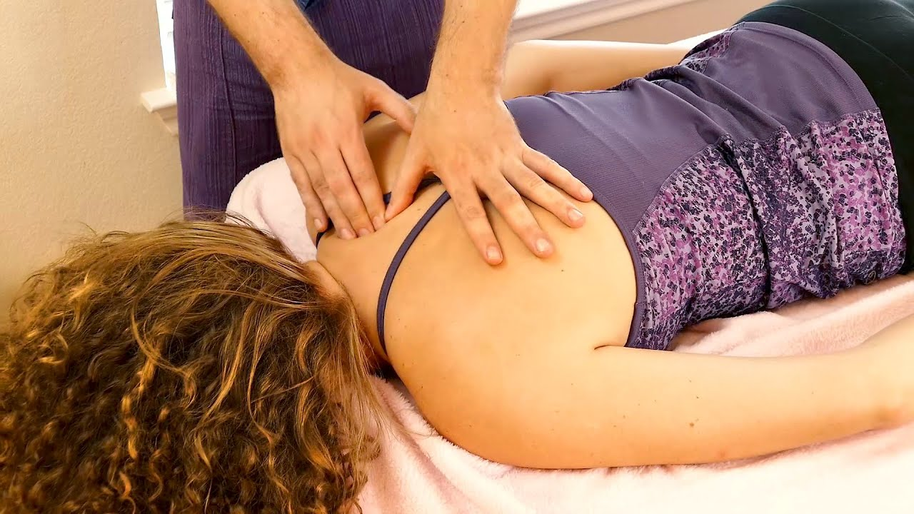 Relaxing back massage: how to do, what to look for