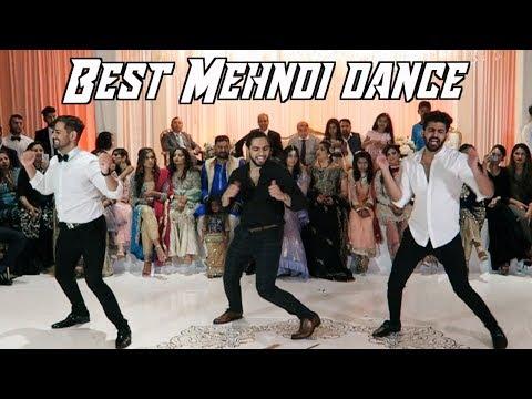 DANCING AT A PAKISTANI WEDDING! (Best Mehndi Walima Dance 2018)