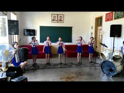 Untuk Indonesia - Anak-anak Korea Utara menyanyikan lagu Anak Kambing Saya
