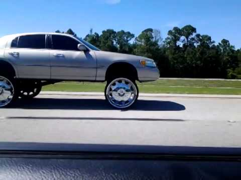 28 S On Lincoln Town Car Youtube