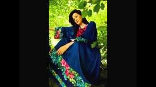 Laura Mulligan - Bless the Broken Road.