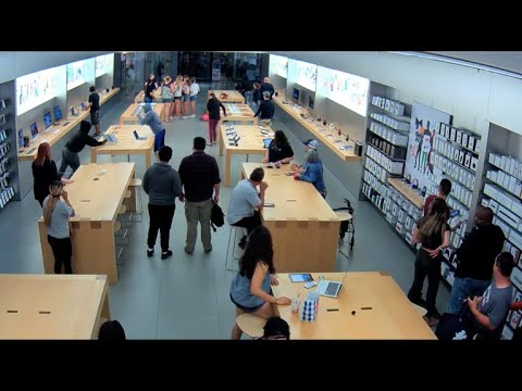 Apple Store robbery caught on video