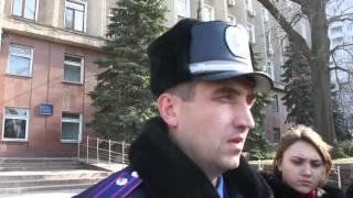 Видео НикВести: заместитель командира батальона патрульной службы Николаевского горуправления(, 2014-03-07T12:39:27.000Z)