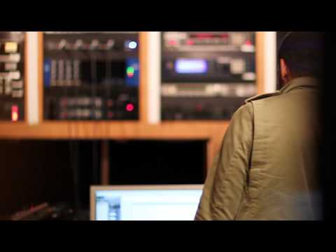 "Ryan Leslie - ""Beautiful Lie"" In-Studio"