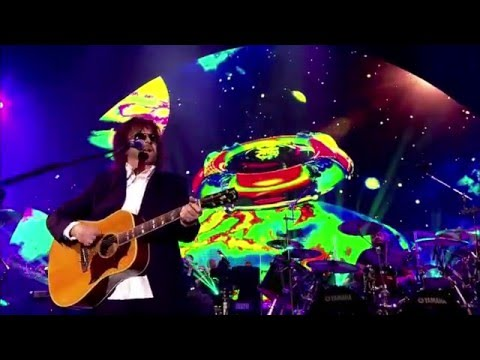 JEFF  LYNNE'S & ELECTRIC  LIGHT ORCHESTRA- Live At Hyde Park 2014 005 Livin' Thing