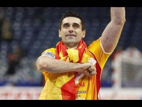 Kiril Lazarov scores 12 goals for Macedonia vs Czech Republic EHF EURO 2014