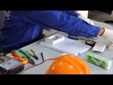Thi tay nghề lắp bảng điện