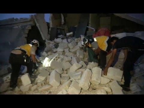 مقتل 7 مدنيين من عائلة واحدة وإصابة آخرين في قصف جوي بإدلب السورية…  - نشر قبل 4 ساعة