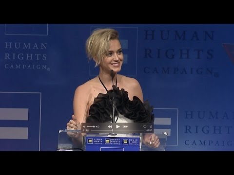 See Katy Perry's Emotional Speech at Human Rights Campaign Gala