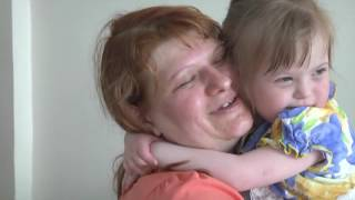 Девочку с синдромом Дауна забирают из детдома