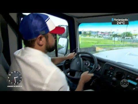 Boné promete impedir caminhoneiros de dormirem ao volantes | SBT Notícias (27/10/17)