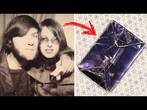 За 47 лет он так и не открыл подарок своей бывшей девушки, наконец пришло время посмотреть, что там.