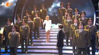 Download Video SKYFALL The Red Army Choir & Vincent Niclo Helene Fischer Show 2013 @ James Bond MP3 3GP MP4
