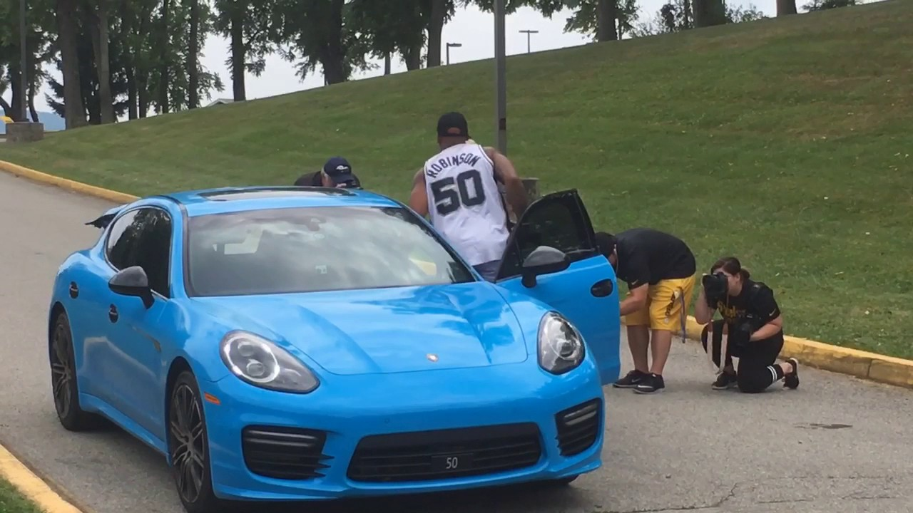 Pittsburgh Steelers Shazier >> Pittsburgh Steelers LB Ryan Shazier drives to training camp in a Porsche - YouTube