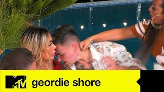 Sophie Goes Akka And Hits Sam In The Face In Angry Jealous Kick Off | Geordie Shore 18
