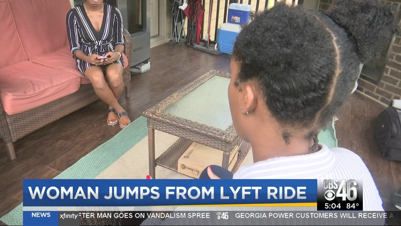Black Woman jumps from Lyft ride in fear of attack
