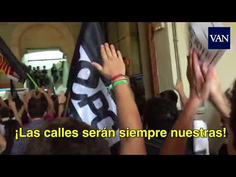 Los estudiantes ocupan la Universitat de Barcelona en apoyo al referéndum