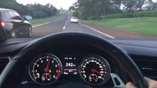 BMW M135i vs Golf GTI Stage 2 REVO +270km/h
