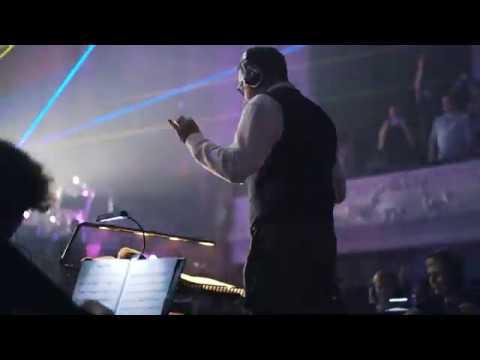 Darude's Sandstorm performed