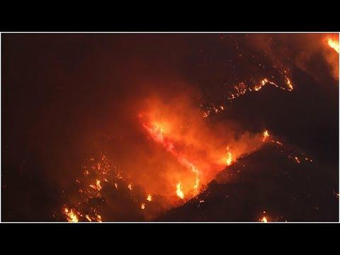 شاهد: الحرائق تتواصل في كاليفورنيا والسلطات تكافح النيران وتجلي السكان…  - نشر قبل 2 ساعة