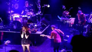 [HD] The Do - Smash Them All (Live in Paris @ Le Trianon, March 9th, 2011).MTS