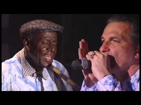 "Boubacar Traore - ""Mariama"", live @ OFF-Fest 2015"