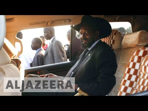 South Sudan leaders 'profit' as country suffers during war