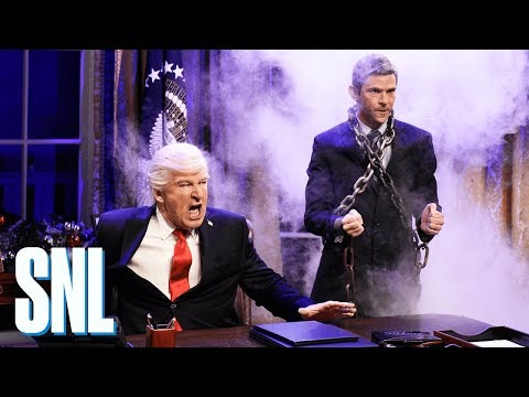 White House Christmas Cold Open - SNL