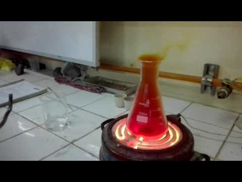 Experimento en laboratorio de quimica
