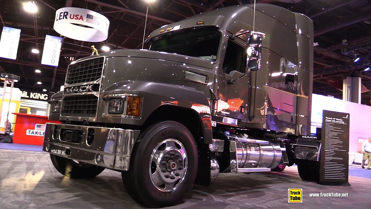 2018 mack pinnacle 64t 70inch sleeper truck walkaround 2017 nacv show atlanta [ 1280 x 720 Pixel ]