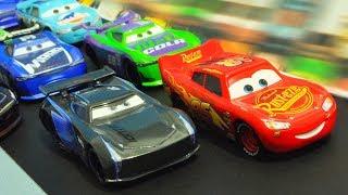 Disney Cars 3 : Piston Cup Race! - StopMotion