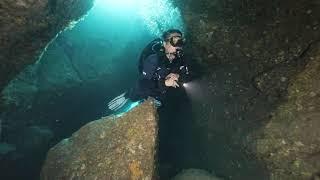 제주 서귀포 검은여동굴(칼동굴)에서의 스쿠버다이빙