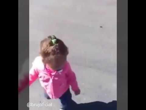 Le pasa a cualquier bebé si viera a Chávez