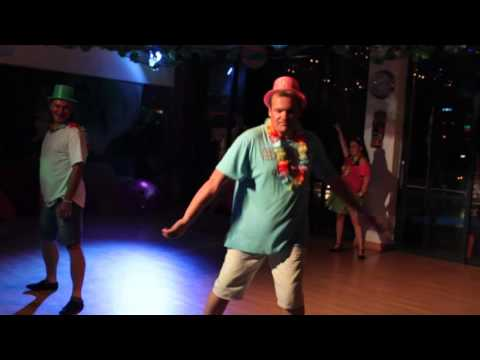 Fred Astaire Roodepoort X-mas in Hawaii: Staff routine