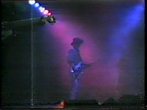 16. Laura I I - Fields Of The Nephilim Live @ Astoria London 21 Nov 1987