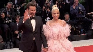 Baixar Lady Gaga and Bradley Cooper on the red carpet for the Premiere of A Star is Born at the Venice Film