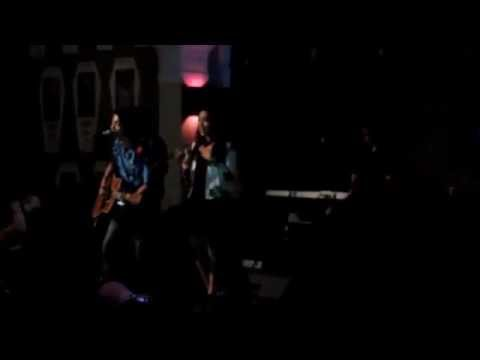 Fiersa Besari - Waktu Yang Salah Ft Thantri LIVE At Zombie Cafe Braga