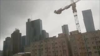 """Эпизод из сериала """" Стройка на нашей улице """"."""