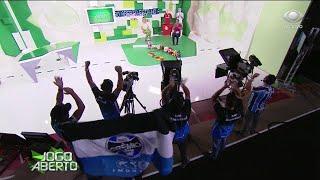 Equipe do programa veste camisa do Grêmio para zoar Renata