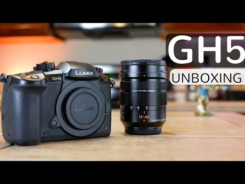 EARLY PANASONIC LUMIX GH5 DSLR UNBOXING! #GH5