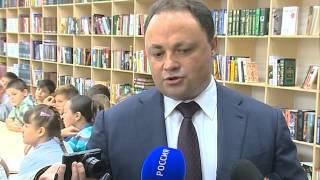 Муниципальные библиотеки становятся центрами общения(Глава Владивостока Игорь Пушкарёв: Муниципальные библиотеки становятся центрами общения и образования..., 2015-10-08T02:24:25.000Z)