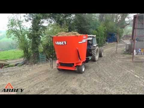 Abbey Machinery 1250 Front Cross Elavator PVC Type Behind Ford 7810 SE