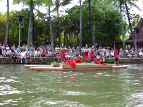 polynesian cultural center Tonga canoe