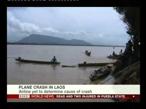 Laos crash plane 'hit bad weather'