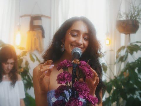 Raveena - I Won't Mind (Live At Luiny's)