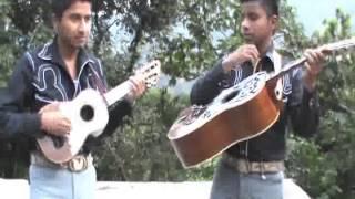 Trio Emocion Huasteca-OJALA Q LLUEVA CAFE.flv
