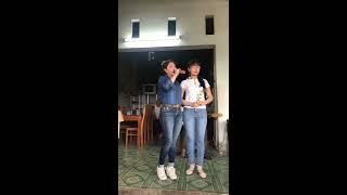 em gái mù TRÚC PHƯƠNG hát cùng HLV THOẠI MỸ tại quê nhà tiền giang