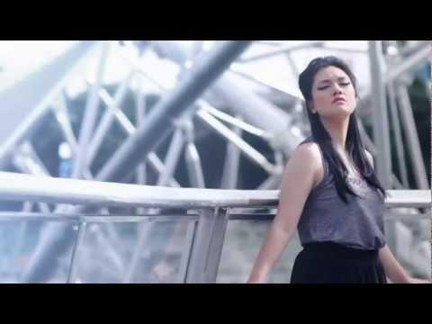 ECOUTEZ - SENDIRI (OFFICIAL VIDEO CLIP)