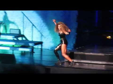 Ciara Performing '1, 2 Step' Prudential Center In Newark, NJ 10/2/2018