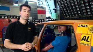 Niezapięte pasy w aucie -  crash test ADAC